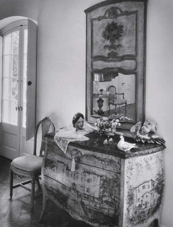 Andre-Kertesz-Hungarian-American-1894-1985-Untitled
